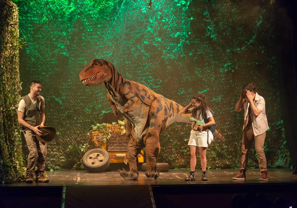 Perduts entre dinosaures